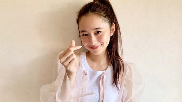 指でやるハートのやつ苦手だったのに堀田真由さん