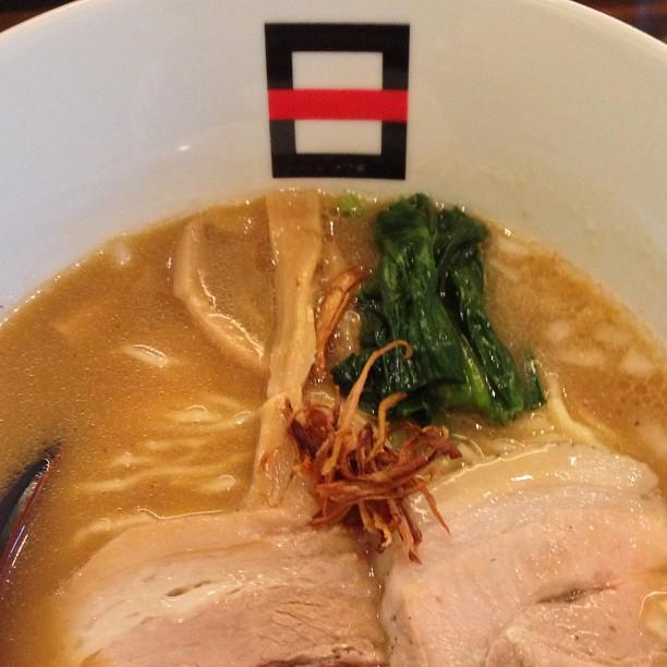 麺処hachi 濃菜醤油ラーメン